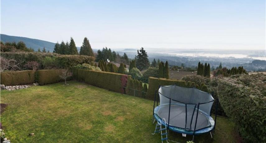 1574 Vinson Creek Road, Chartwell, West Vancouver 2
